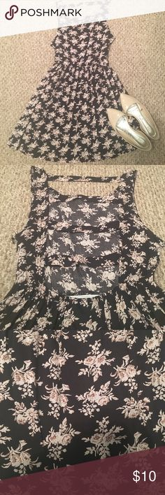 Black and Tan Floral Dress Super Cute! This black dress has a cutout back that is to die for! VERY open to offers! Thanks for looking! 🌷 Crush by ABC Family Dresses