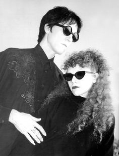 The Cramps - Ivy and Lux in Paris - from L'Indic Nov/Dec 1994 photo by Kris David The Cramps, View Master, Under The Wire, Alice Faye, Big Curly Hair, Turn Blue, Portraits, The New Wave, Alternative Music