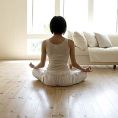 Ready to get Zen? Meditation can do way more than people think—and it's not just for hippies. Which type of meditation is best for you? Morning Meditation, Meditation Space, Guided Meditation, Morning Yoga, Meditation Youtube, Simple Meditation, Relaxation Meditation, Mindfulness Meditation, Breathing Meditation