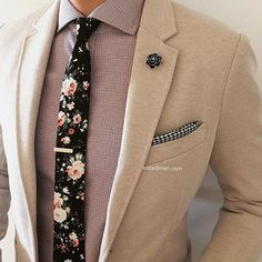 Choosing Right Color for Men Suit and Tie - Mens Suits Tips Fashion Mode, Suit Fashion, Look Fashion, Mens Fashion, Fashion Outfits, Sharp Dressed Man, Well Dressed Men, Sport Outfit, Moda Chic