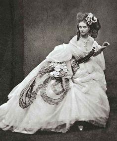 Virginia Elisabetta Luisa Carlotta Antonietta Teresa Maria Oldoïni, Contessa di Castiglione, (La Spezia 1837 - Paris) …and eccentricity.