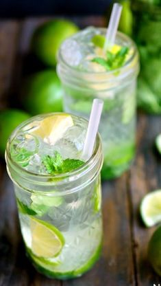 The Mojito has grown within the rankings to start to be one of the most popular cocktails. Easy Cocktails, Cocktail Drinks, Cocktail Recipes, Popular Cocktails, Drink Recipes, Summer Drinks, Fun Drinks, Party Drinks, Spring Break