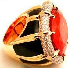 tony duquette  rings for coach | The Duchess is wearing a Tony Duquette necklace. quot;Duquette defines ...