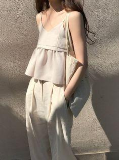 Fashion Tips 101 .Fashion Tips 101 80s Fashion, Korean Fashion, Girl Fashion, Fashion Dresses, Womens Fashion, Fashion Tips, Fashion Design, Fashion Vintage, Fashion Hacks