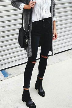 Very Cute Fall Outfit. This Would Look Good Paired With Any Shoes. 40 Stylish Street Style Looks For Your Wardrobe This Fall – Very Cute Fall Outfit. This Would Look Good Paired With Any Shoes. Moda Outfits, New Outfits, Casual Outfits, Casual Ootd, Looks Street Style, Looks Style, Fashion Mode, Look Fashion, Paris Fashion