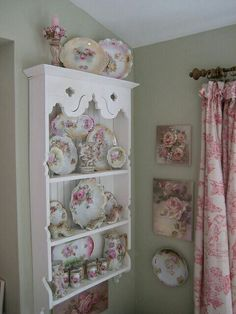 Romantic Cottage, Shabby Cottage, Shabby Chic Interiors, Shabby Chic Furniture, Vintage Shabby Chic, Shabby Chic Decor, Country Decor, Bookcase, Shelves