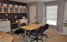 IKEA Share Space fan's home workspace using the GALANT series!
