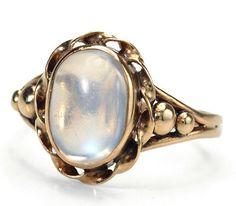 2 carat Blue MOONSTONE ring circa 1920