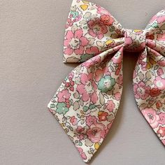 Liberty Tana Lawn design Cotton Fabric Sailor Hair Bow (new patterns added) Fabric Hair Bows, Ribbon Hair Bows, Diy Hair Bows, Diy Bow, Baby Girl Hair Bows, Baby Bows, Kids Hair Clips, Bow Pattern, Toddler Girl Style