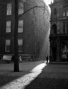 What light! Herfstmiddag (afternoon in autumn), Amsterdam, 1946. Photo: Dirk de Herder.