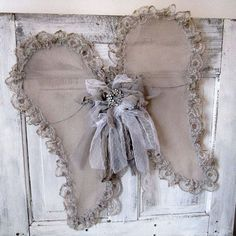 Lace angel wings wall hanging wispy handmade wire and tulle wings taupe gray vintage style shabby cottage chic home decor anita spero design Shabby Chic Crafts, Shabby Chic Cottage, Vintage Crafts, Handmade Wire, Handmade Home Decor, Wings Tutorial, Diy Angels, Angel Wings Wall, Angel Crafts