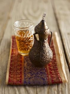 Arabic Penguin mouthed Ibrik with maghrebi style tea Glass