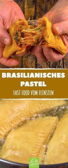Diese brasilianische Delikatesse gibt es in dem südamerikanischen Land an jeder Straßenecke. Probiere 3 Varianten des Snacks! #rezept #rezepte #pastel #pasteis #teigtasche #fastfood #streetfood #snack #gefüllt #frittieren #ausbacken #hack #mozzarella #käse #tomate #hähnchen #pulledchicken #curry