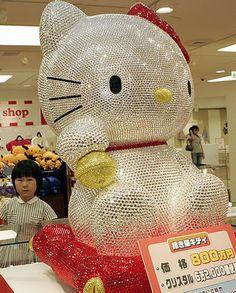 "Hello Kitty ""Maneki Neko"" Crystal Doll, Woah"