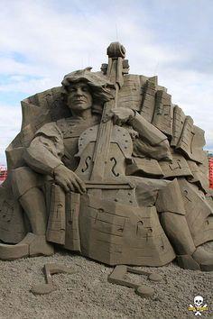 Dan Belcher's first place sand sculpture