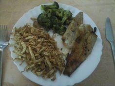 Zvířátkový den - Aljašská treska, vařená brokolice a hranolky z celeru Delena, Low Carb, Diet, Chicken, Cooking, Food, Pisces, Kitchen, Essen