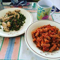 Eat clean, train dirty! O almeno ci provo! #eatclean #traindirty #pasta #pomodoro #pollo #piselli #spongebob #spongebobèfranoi