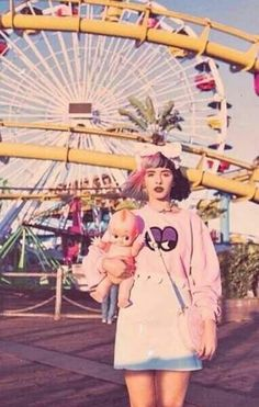Melanie Martinez Style, Melanie Martinez Outfits, Crybaby Melanie Martinez, Cry Baby, Mealine Martinez, Girl Pictures, Room Pictures, Music Artists, Crying