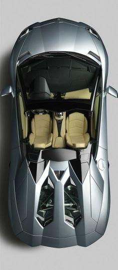 Lamborghini Aventador LP 700-4 Roadster open roof