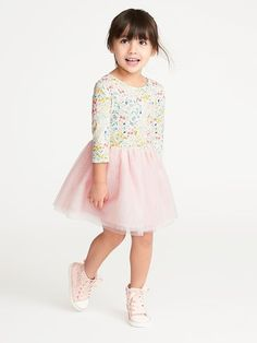 all these spring clothes that are coming out are making me so happy!! So many fun colors, prints and patterns! My baby girl would look so cute in this little floral and tulle dress from Old Navy! Love their awesome prices! #affiliate #toddlerdresstulle