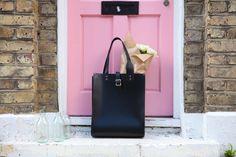 Leather tote bag in the fashion capital - London. Black Leather Tote Bag, Leather Satchel, Talbots, Parka, London, Preppy, Bags, Fashion, Handbags