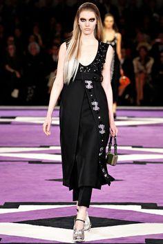 Prada Fall 2012 Ready-to-Wear Collection Photos - Vogue
