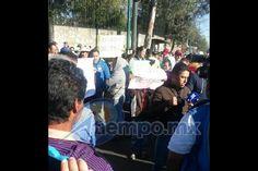 Se trata de unas 70 personas, entre maestros, alumnos y padres de familia de un plantel escolar en Agostitlán, municipio de Hidalgo; hasta el momento no bloquean la vialidad – ...