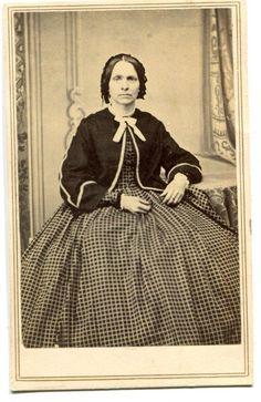 CDV Carte De Visite Civil War Widow Lady Huge Hoop Dress Black Bonnet Nashua NH