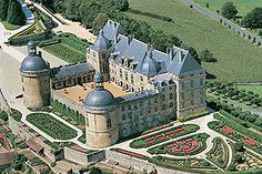 Château de Hautefort | Périgord noir, Dordogne