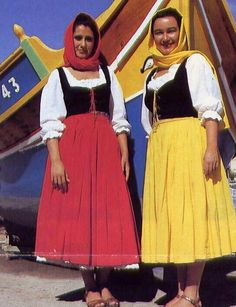Women from Malta in traditional dress