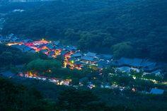 우리나라의 3대 사찰로 손꼽히는 경남 양산 통도사의 웅장한 야경 (제42회 관광사진공모전 방현혁님 작품)