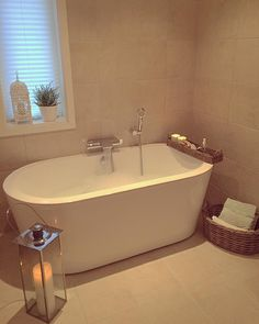 Bath time #millivilla #interior #interiør #interior4you #interior123 #villa #home #bath #bad #baderom #shabbyhomes #koselig #vinter @shabbyyhomes