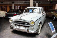 #Peugeot #403 au Musée de l'Aventure #Peugeot Reportage complet : http://newsdanciennes.com/2015/08/19/on-a-teste-pour-vous-le-musee-de-laventure-peugeot/ #classiccar #voiture #ancienne #vintage