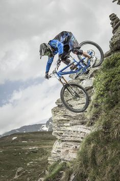 Best Cannondale Mountain Bikes to Buy in 2020 - Bikespedia Cannondale Mountain Bikes, Mtb Bike, Best Mountain Bikes, Mountain Biking, Road Cycling, Cycling Bikes, Merida, Moutain Bike, Trail Riding