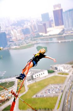 WOULD YOU EVER!? Bungie jumping in the highest place possible Macau, China #yolo #BucketList