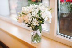 księga gosci, bukiet ślubny, bukiet, wedding bouquet, rustic wedding, flowers, len, juta, wiśnie, rustykalny, rustic, wedding, decor, rustykalne wesele, eko, dekoracje, dekoracja na stole, kwiaty, wesele, prezenciki dla gości, wedding favors   zdjęcie: PhotoDuet   florystyka, dodatki, poligrafia: minwedding