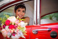 Noiva maravilhosamente registrada pela equipe da @bemnaphoto.oficial.  Você ainda não encontrou o fotógrafo dos seus sonhos? Então corre pra conhecer um pouquinho mais sobre eles! . Veja mais no Instagram  @bemnaphoto.oficial . Orçamentos  (11) 2924-3979 no e-mail: contato@bemnaphoto.com.br ou no instagram @bemnaphoto.oficial . #bemnaphoto #fotoevídeo #fotografia #photo #filmagemdecasamento #casamento #wedding #préwedding #ceub #casaréumbarato #guiaceub #felicidade #love #voucasar #noivos…