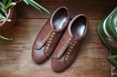 Vintage Bowling Shoes Gold Eyelet Brown Leather Sliding Sole