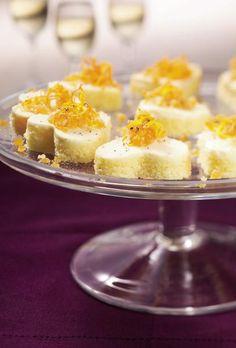 Sitruunakakku-leivokset // Lemon Cake Hearts Food & Style Sanna Kekäläinen Photo Tuomas Kolehmainen Maku 1/2004, www.maku.fi