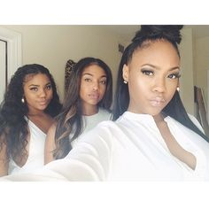 All them giving mad face in this pic Black woman Women of colour dark skin makeup natural makeup