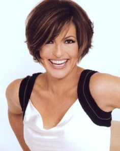 mariska+hargitay+hairstyles | This last one is a have-to. Love some Det. Stabler…..