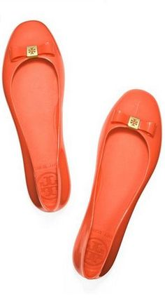Tory Burch ballet flats in Orange.