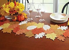 Patterns and Templates files - Felt Brooches Dyi Crafts, Fall Crafts, Table Setting Inspiration, Felt Pillow, Crochet Table Runner, Autumn Decorating, Leaf Table, Thanksgiving Crafts, Handmade Home Decor