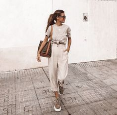 43 Casual Chic to Summer Outfit 2019 Looks Amazing – spring. – … 43 Casual Chic to Summer Outfit 2019 Looks Amazing – spring. Chic Summer Outfits, Casual Chic Summer, Chic Outfits, Spring Summer Fashion, Fashion Outfits, Womens Fashion, Summer Clothes, Clothes 2019, Classy Outfits