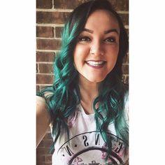 @hallkara • green hairz