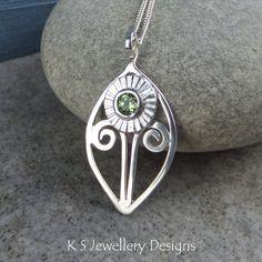 Peridot Daisy Flower Sterling Silver Leaf Frame Pendant - Handmade Metalwork Wirework Gemstone Necklace - Textured Blossom - Garden Theme