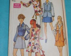 Blouse with Slash Opening at Front Neckline, Mini Pantskirt and Vest Size 10 All 13 Pieces 1970s Vintage Simplicity Sewing Pattern 8694