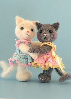 Blossom, A Mohair Cat In Crochet ~ free pattern