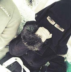 Arab Girls Hijab, Girl Hijab, Muslim Girls, Hijab Niqab, Muslim Hijab, Hijab Outfit, Niqab Fashion, Fashion Beauty, Womens Fashion