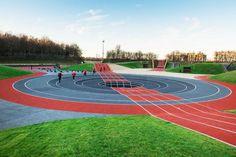 Vinder af olympisk guldmedalje for idrætsarkitektur ved IOC/IAKS Awards Landscape Elements, Urban Landscape, Landscape Architecture, Landscape Design, Plaza Design, Jogging Track, Sport Park, Outdoor Playground, Outdoor Workouts